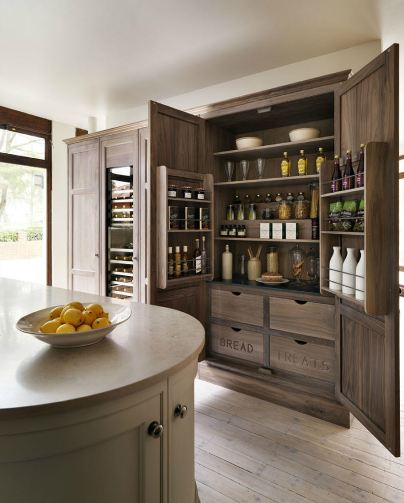 Wooden-pantry-900x1119-824x1024